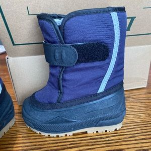 L.L.Bean snow boots- toddler size 6 (Navy Blue)